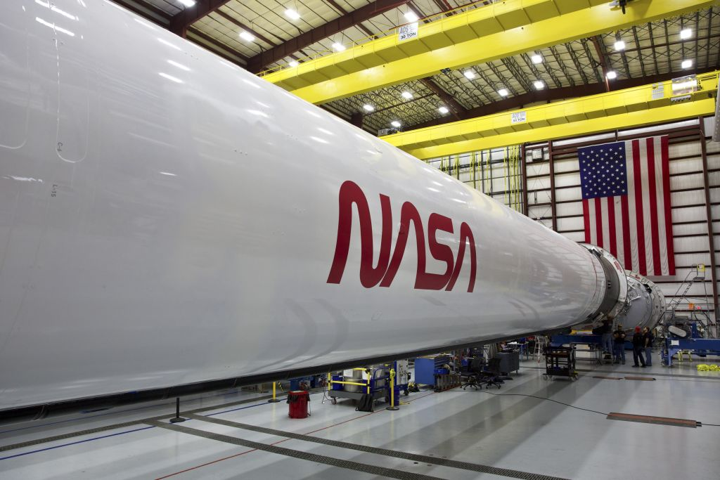 NASA goes retro for SpaceX